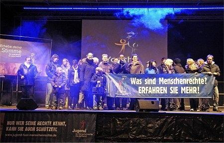 Australien News & Australien Infos & Australien Tipps | Menschenrechts-Veranstaltung in München in der Fußgängerzone