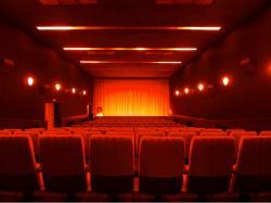 Ost Nachrichten & Osten News | Foto: Der Saal der Komödie Rügen mit 151 Sitzplätzen.