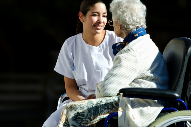 SeniorInnen News & Infos @ Senioren-Page.de | Nelli Foss   Pflegekraft - Autorin