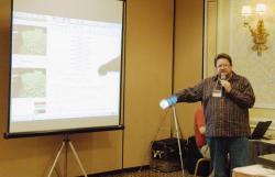 Ost Nachrichten & Osten News | Ost Nachrichten / Osten News - Foto: Dipl.-Informatiker Falk Schmidsberger erläutert seine Software zur Objekterkennung.
