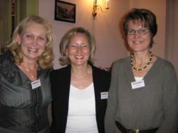 Ost Nachrichten & Osten News | Foto: v.l ks. n. re.: die Berliner Projektinitiatorin Ilona Orthwein, Referentin Sylvia Gennermann und die Cottbuser Projektleiterin Karin Eder.