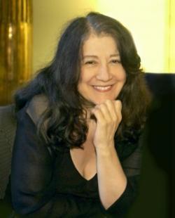 Ost Nachrichten & Osten News | Ost Nachrichten / Osten News - Foto: >> Klavier-Göttin << Martha Argerich Gastiert in der Semperoper.