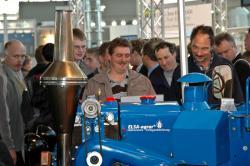 Landwirtschaft News & Agrarwirtschaft News @ Agrar-Center.de | Foto: Der Oldtimer-Traktor sorgte für großen Andrang auf dem ELSA-Stand.