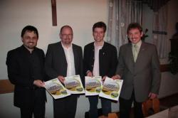 Alternative & Erneuerbare Energien News: Foto: Die Vorstände der Solea AG, Günter Bauer (v.l.) und Anton Schweiger, mit CSU Ortsvorsitzendem Hans Schmalhofer und CSU Geschäftsführer Markus Schmid..