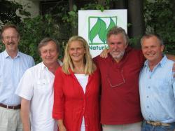 Landwirtschaft News & Agrarwirtschaft News @ Agrar-Center.de | Foto: Naturland Präsidium (v.l.n.r.): Dr. Felix Prinz zu Löwenstein, Hans Hohenester, Frauke Weissang, Peter Warlich, Arthur Stein.