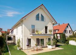 Fertighaus, Plusenergiehaus @ Hausbau-Seite.de | Hausbau & Einfamilienhaus - Foto: Passivhäuser helfen, die Energiekosten drastisch zu senken. Foto: Schwörer Haus.
