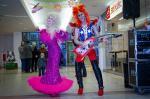 Ost Nachrichten & Osten News | Foto: Fürstenwalder Paar hat jedes Jahr ein anderes Kostüm und tritt damit auf.