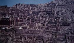 Ost Nachrichten & Osten News | Foto: Kloster Ganden sah 1981 noch so aus wie es die KP-Chinesen es vandalistisch 1959 zerstört hatten.