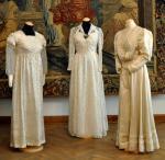 Hochzeit-Heirat.Info - Hochzeit & Heirat Infos & Hochzeit & Heirat Tipps | Foto: Brautkleider aus dem 19. Jahrhundert.