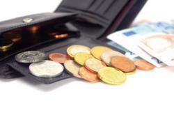 SeniorInnen News & Infos @ Senioren-Page.de | Foto: Hochwertiger Zahnersatz belastet immer häufiger die eigene Geldbörse.
