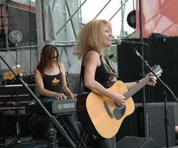 Tickets / Konzertkarten / Eintrittskarten | Foto: Kim Carson's Album >Live at Tiptina's> wurde zum besten Country Album des Jahres 2004 gewählt.