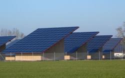 Alternative & Erneuerbare Energien News: Alternative Regenerative Erneuerbare Energien - Foto: Bereits bestehender Solarus-Park bei Memmingen.