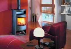 Fertighaus, Plusenergiehaus @ Hausbau-Seite.de | Hausbau & Einfamilienhaus - Foto: Wasserführende Kaminöfen sind mit einem integrierten Wärmetauscher ausgestattet, der als zusätzlicher Energielieferant dient und der über einen zwischengeschalteten Pufferspeicher an die Heizungsanlage angeschlossen wird.