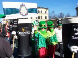 Bier-Homepage.de - Rund um's Thema Bier: Biere, Hopfen, Reinheitsgebot, Brauereien. | Foto: Irland-Fans feiern stilecht den St. Patrick's Day in München. Mehr als 30.000 Besucher werden dieses Jahr erwartet!