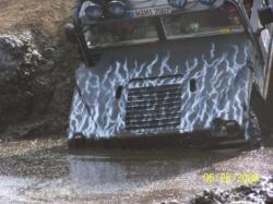 Ost Nachrichten & Osten News | Foto: H1 vom Hummer Racingteam.