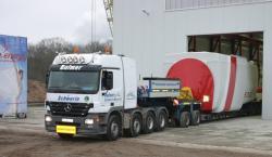 Alternative & Erneuerbare Energien News: Foto: Am 17.12.08 hat e.n.o. energy die erste WEA aus der Serienfertigung ausgeliefert. (c) NAEO.