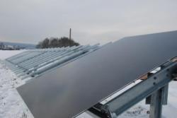Alternative & Erneuerbare Energien News: Alternative Regenerative Erneuerbare Energien - Foto: Großmodul montiert mit gehrtec Backrail.