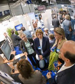 Ost Nachrichten & Osten News | Foto: KOMCOM OST 2008 in Leipzig:Aussteller und Besucher sind mehr als zufrieden.