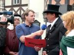 Ost Nachrichten & Osten News | Foto: Andreas Mann, MDR-Moderator verliest die Stadtwette im Beisein des OB Peter Gaffert.