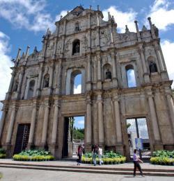 Ost Nachrichten & Osten News | Foto: Das ehemals portugiesische und heute chinesische Macau hat sich zu einer der Boomtowns Asiens entwickelt. Gleichzeitig bewahrt sie ihr reiches historisches Erbe, das fernöstliche und europäische Kultur vereint, und in den Gebäuden, der Küche und dem Lebensstil der Menschen lebendig ist.