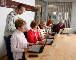 SeniorInnen News & Infos @ Senioren-Page.de | Foto: Das Angebot des Mediencenter 50plus richtet sich exklusiv an Personen ab 50.