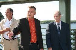 Ost Nachrichten & Osten News | Foto: Eberhard Fätkenheuer, Hannes Sieberer und Gerhard Tietz auf Glienicker Brücke - Verlag Dr. Köster.