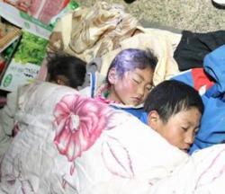 Ost Nachrichten & Osten News | Foto: Der chinesischen Nachrichtenagentur Xinhua zufolge, stieg die Zahl der Todesopfer in dem heftigen Erdbeben, das gestern Kyegudo in Nordost-Tibet erschütterte, auf 617. 9.110 Personen sind verletzt, 313 werden vermißt. 900 seien aus den Trümmern gezogen worden.