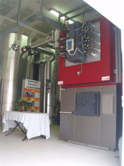 Alternative & Erneuerbare Energien News: Foto: Holzwärme für 590 Wohneinheiten durch einen GILLES HPKI-K 2000 Pelletkessel.