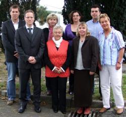 SeniorInnen News & Infos @ Senioren-Page.de | Foto: (v.l.n.r.) Thorsten Bumann von der ARGE Rendsburg-Eckernförde und Björn Geertz mit einigen der erfolgreichen Teilnehmer.
