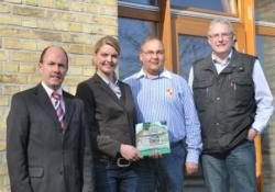 Landwirtschaft News & Agrarwirtschaft News @ Agrar-Center.de | Bild: (von li nach re) Landrat T. Kubendorff, C. Schulze Föcking, E G Hellwig und L. Hummert.