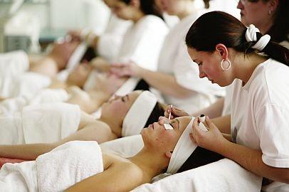 Kosmetik-247.de - Infos & Tipps rund um Kosmetik | Kosmetikschule Norkauer