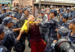 Ost Nachrichten & Osten News | Foto: Nepalesische Polizei nimmt tibetischen Mönch fest.