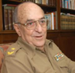 Ost Nachrichten & Osten News | Foto: Kubas Oberstaatsanwalt Juan Anibal Escalona Reguera deckt die staatliche Rufmordkampagne gegen Regimekritiker. Bild: granma.cubaweb.cu.