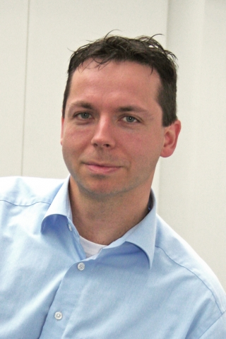 Rom-News.de - Rom Infos & Rom Tipps | Peter Stein, Experte für Vermögensschadenhaftpflicht beim Infocenter der R+V Versicherung