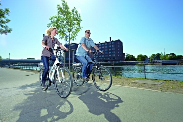 Auto News | E-Bikes sind komfortabel bei der Fahrt zur Arbeit und in der Freizeit