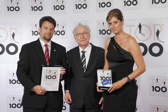 Schweiz-24/7.de - Schweiz Infos & Schweiz Tipps | Die Geschäftsführer Saskia Schöpf und Alexander Winkler mit Mentor Lothar Späth bei der Preisübergabe