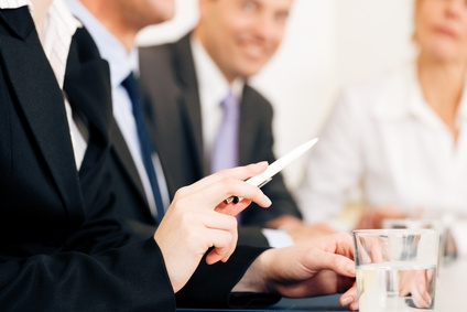 Versicherungen News & Infos | Ein fairer Finanzberater nimmt sich Zeit, Bild: Kzenon / fotolia.com