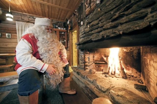 Indien-News.de - Indien Infos & Indien Tipps | Begegnung mit dem Weihnachtsmann: In Finnland kein Problem.