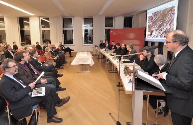 Großes Interesse herrschte beim Info-Abend in der Sparkasse Neu-Ulm – Illertissen