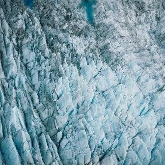 Auto News | Aerial - eine Gletscheransicht im Großformat