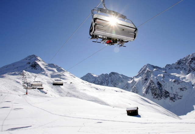 Weihnachten-247.Info - Weihnachten Infos & Weihnachten Tipps | Weiße Winterlandschaft im Defereggental in Osttirol, hier im Skigebiet Brunnalm.