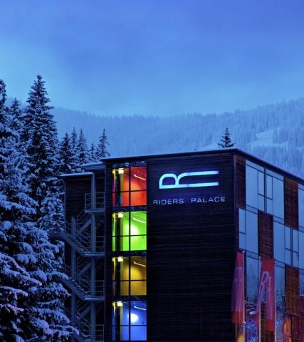 Hotel Infos & Hotel News @ Hotel-Info-24/7.de | Die Asian Dub Foundation kommt am 4. Februar 2012 in den Riders Palace Club, nur einen Steinwurf von der Talstation in LAAX entfernt.