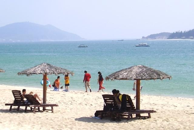 Ost Nachrichten & Osten News | Badeurlaub auf Hainan