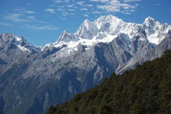 Ost Nachrichten & Osten News | Jade-Drachen-Schneeberg bei Lijiang