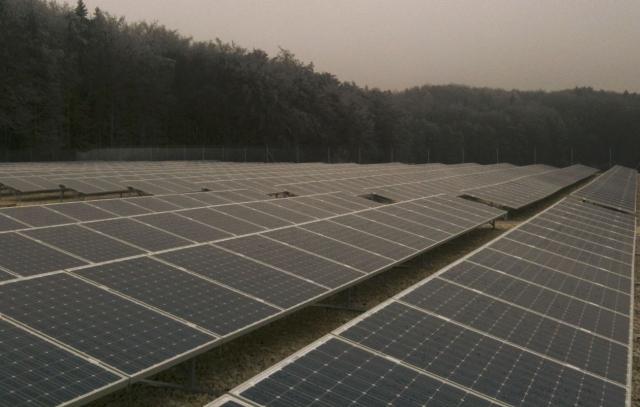 Alternative & Erneuerbare Energien News: Aus ehemaliger Mülldeponiefläche wird Strom