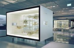 Historisches @ Historiker-News.de | Foto: Interaktive Vitrinen LAMEX TRANSOPAC-Glas.