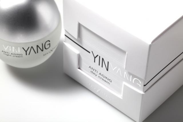 Asien News & Asien Infos & Asien Tipps @ Asien-123.de | Deynique Cosmetics präsentiert sich mit YIN YANG - die erfolgreichste Markteinführung seiner Firmengeschickte - in Verpackungen der Edelmann Gruppe.