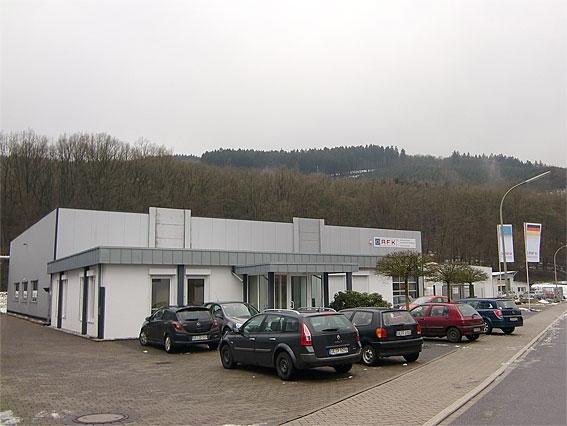 Auto News | Nähe zum Kunden heißt für AFK auch optimale Information mit einem ganzheitlichen Kundenservice, den die Finnentroper mit ihrem neuen Logistikzentrum erweitert und verbessert haben.