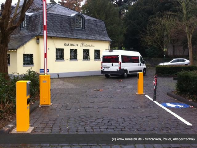 Technik-247.de - Technik Infos & Technik Tipps | Eine preiswerte, einfache und effiziente Bewirtschaftung von Kundenparkplätzen bietet die Kombination von Automatikschranke mit Münzprüfer-Bezahlsystem der Firma Rumatek.