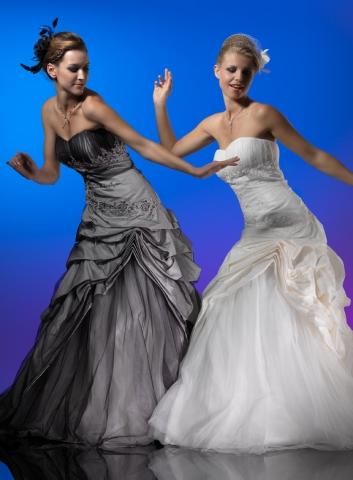 Hochzeit-Heirat.Info - Hochzeit & Heirat Infos & Hochzeit & Heirat Tipps | Meerweibchen, Landau, Braut, Brautmode, Brautkleid, Brautkleider, Brautschmuck, Brautschleier, Brautschuhe, Brauttasche, Reifröcke, Hochzeitsanzug, Bräutigam, Hochzeit, Hochzeitskleid, Hochzeitsmode, Abendkleid, Abendmode, Cocktailkleid, Partykleid, Abend